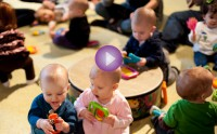 Baby Music Classes: Bubble Crawlers