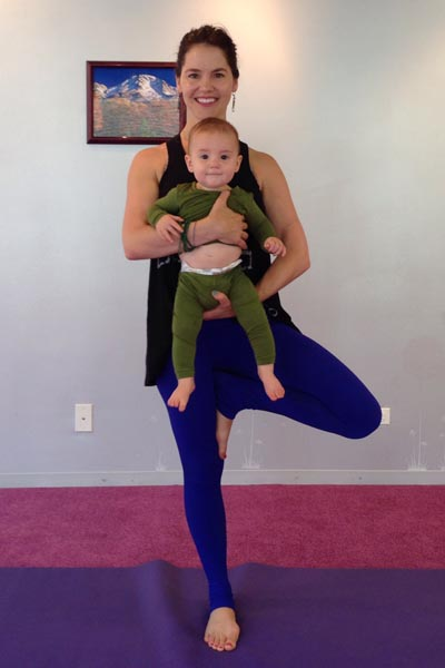 Mommy And Me Yoga Poses 10 Moves To Try Bubbles Academy